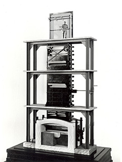 Modell of a flat glass drawing machine from Fourcault.
